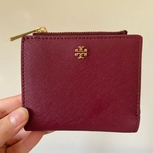 Tory Burch Robinson Mini Wallet in Imperial Garnet